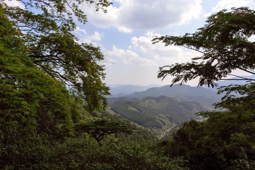 鳳来寺本堂前から望む絶景 - -愛知県新城市鳳来寺- -