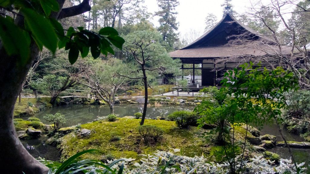 幽玄閑寂のおもむきに包まれた南禅院の庭園 - -京都南禅寺- -