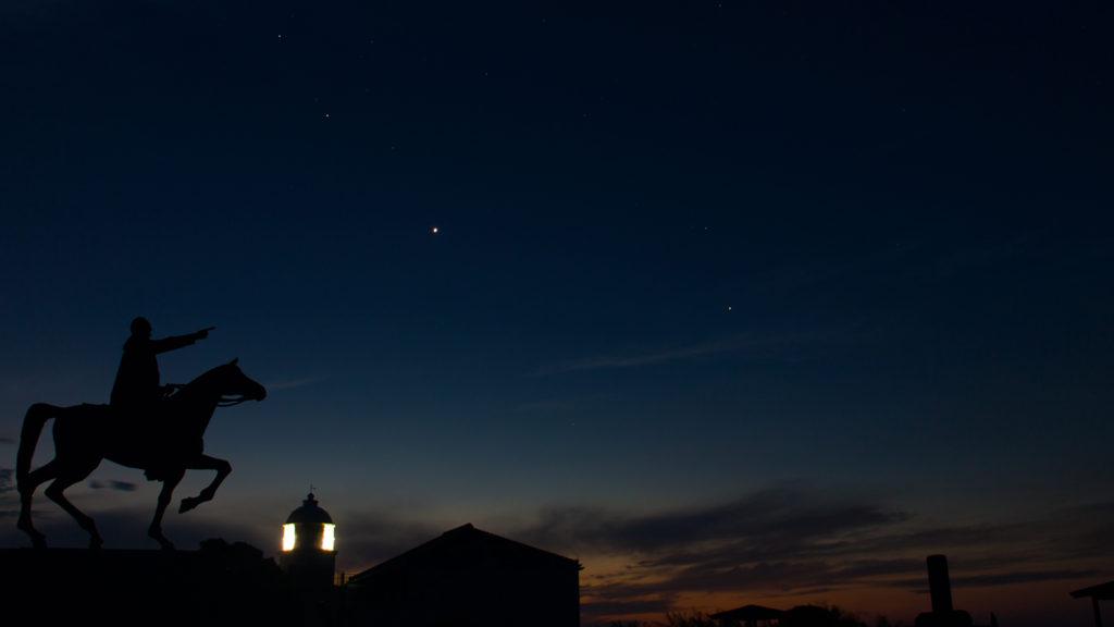 早朝、夜から朝へかわりゆく樫野崎灯台 - -串本町紀伊大島観光スポット- -