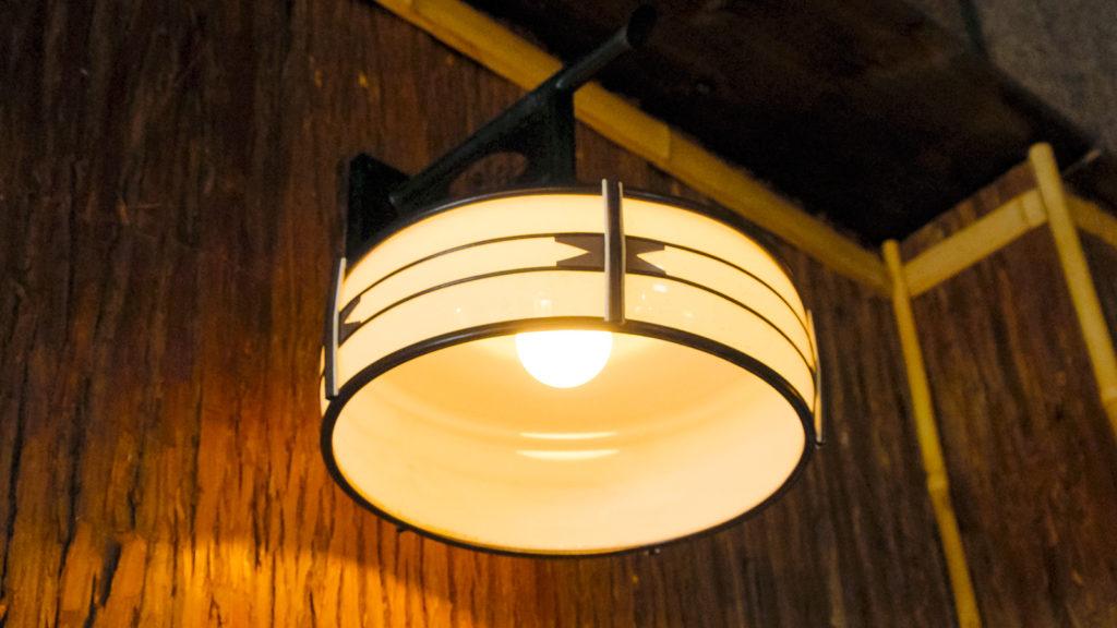 京都の空気がなせるセンスなのだろうか? - -京都、街灯- -