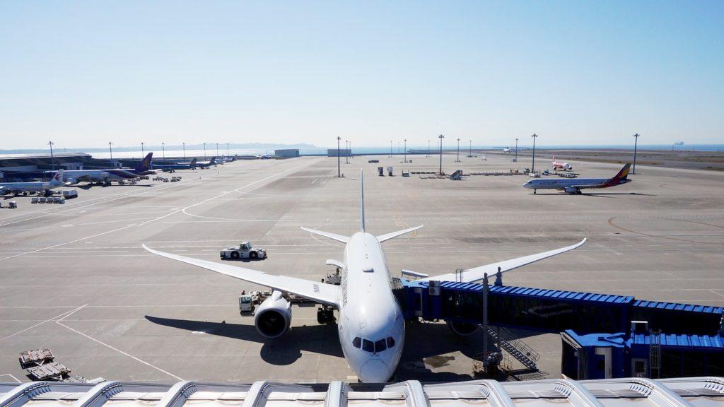 中部国際空港セントレアで間近に眺める飛行機  - -愛知県常滑市にある観光、撮影スポット- -
