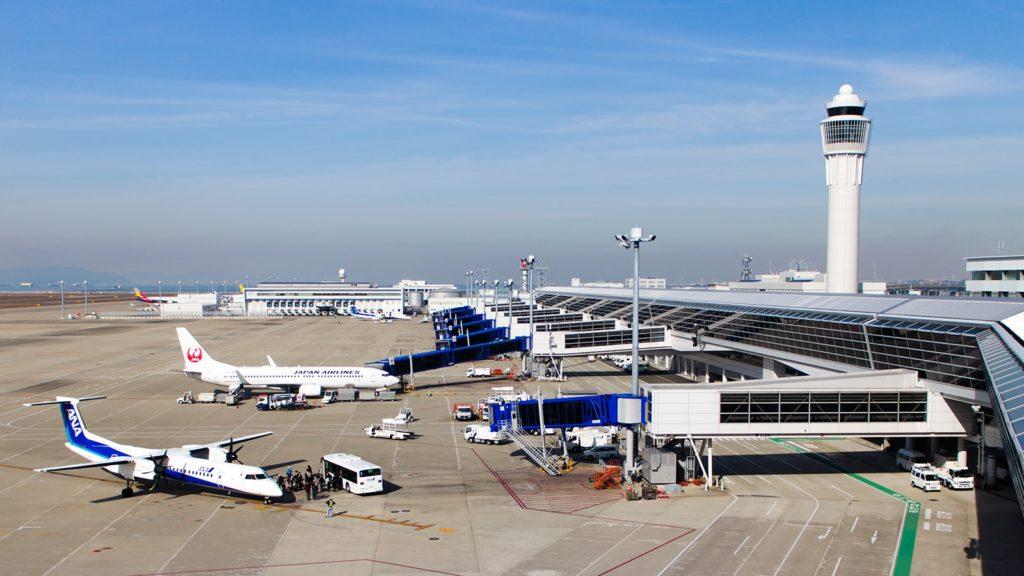 中部国際空港セントレア、スカイデッキから眺める飛行機  - -愛知県常滑市にある観光、撮影スポット- -