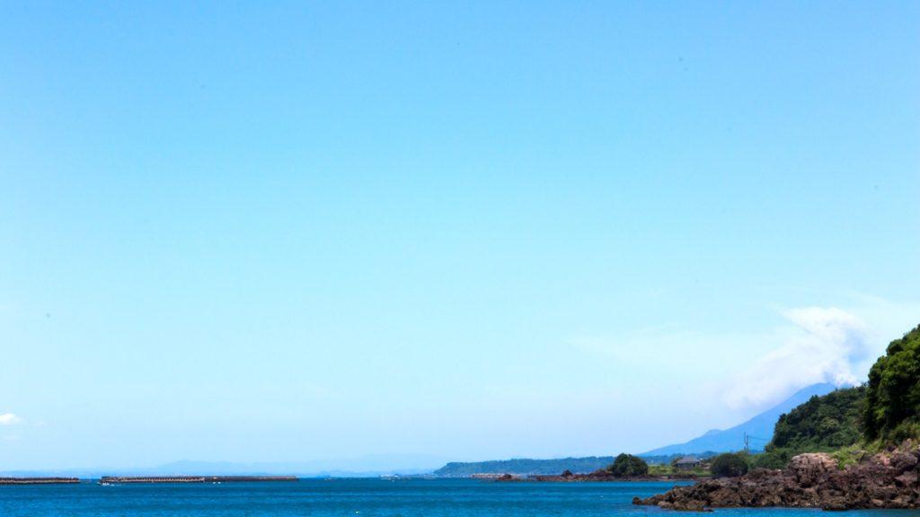 荒平天神からはわずかに桜島も望める  - - 鹿児島県鹿屋市の観光、撮影スポット- -
