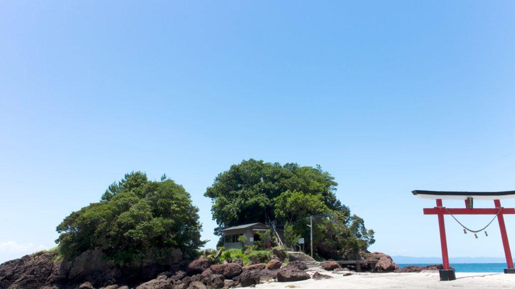 休日の日中には様々な目的の方が訪れる荒平天神  - - 鹿児島県鹿屋市の観光、撮影スポット- -