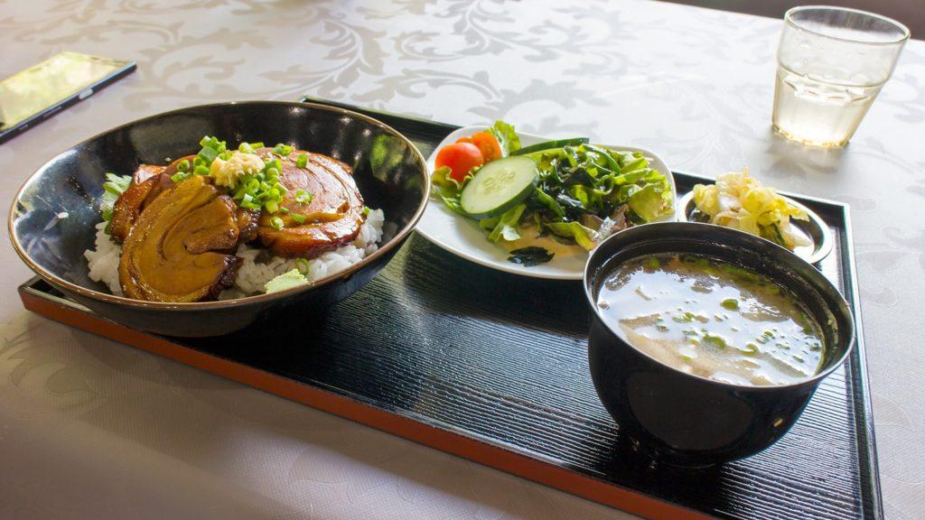 大滝の茶屋ではここでしか味わえないグルメも!写真はチャーシュー丼  - - 鹿児島県南錦江町の観光、撮影スポット- -