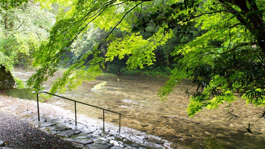 伊勢神宮と同じく川で身を清める吾平山上陵 - - 鹿児島県鹿屋市の観光、撮影スポット- -