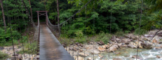 エメラルドグリーンの渓谷:柿其渓谷(木曽郡南木曽町の観光、撮影スポット)